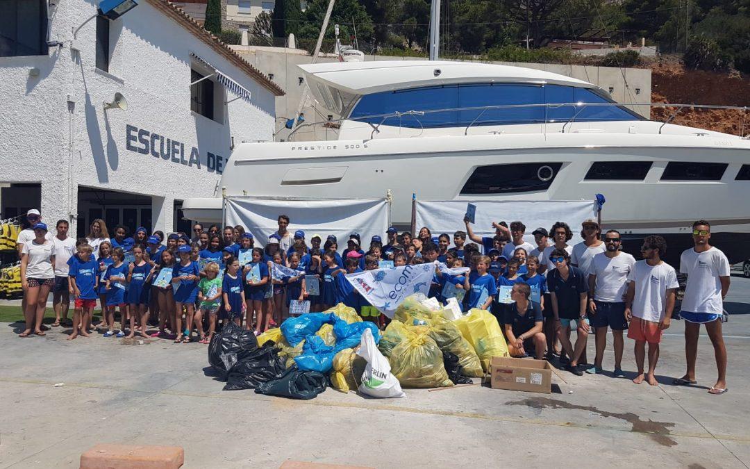 El Club Náutico y la Fundación Ecomar, juntos por la limpieza de la costa