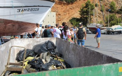 40 personas participan en el World Clean UP Day organizado por el Club Náutico Jávea y Buceo Pelicar